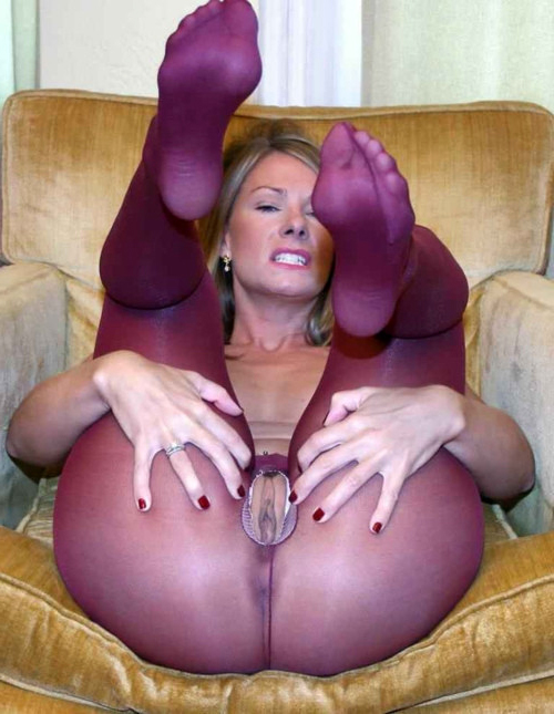 mature naked women video clips