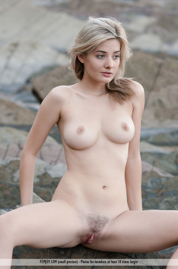 bouncing tits free download
